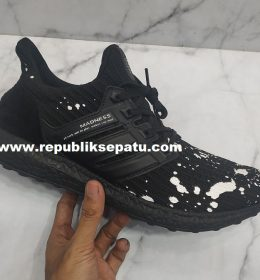 Sepatu Adidas Ultra Boost Madnes 4.0