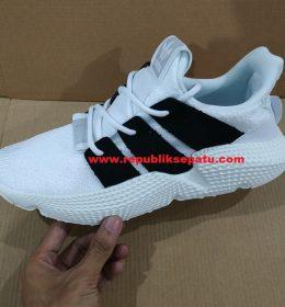 Sneakers Adidas Prophere untuk Pria