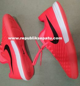 Sepatu Futsal Nike Magistax