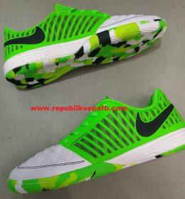 Sepatu Futsal Nike Lunargato